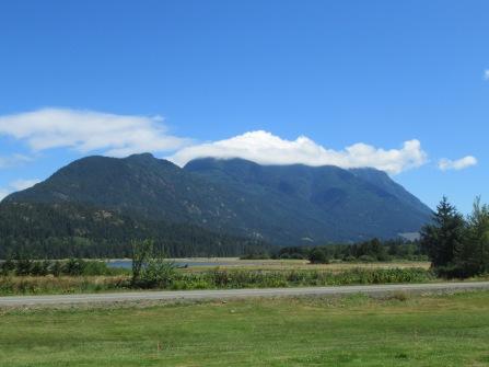 Mount H'Kusam (altijd met wolk rond de top)
